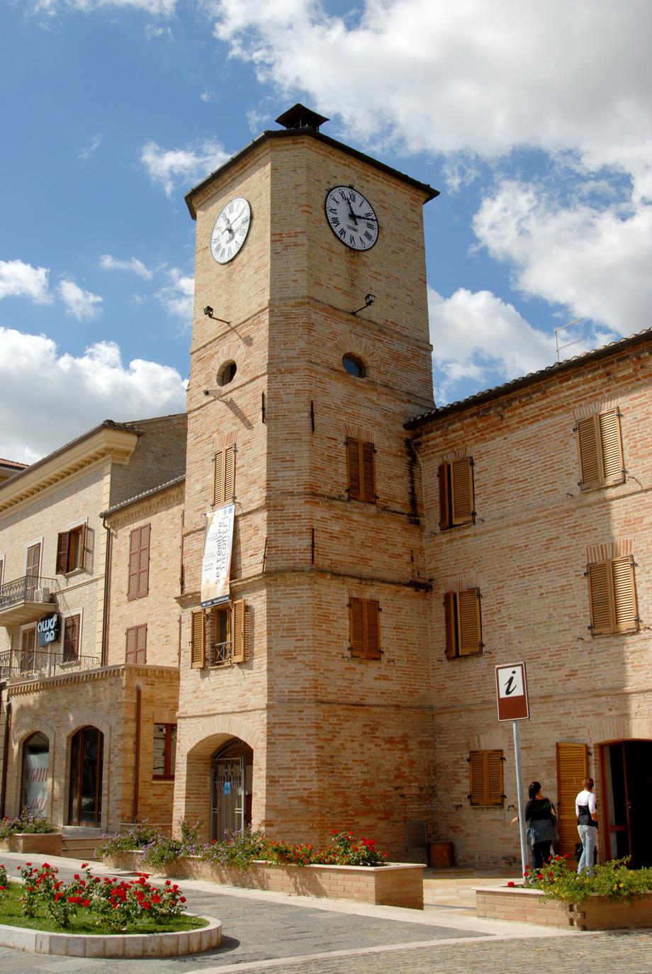 Risultati immagini per torre dell'orologio porto sant'elpidio